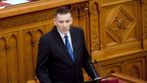 Budapest, 2018. június 27. Volner János, a Jobbik vezérszónoka felszólal a 2019. évi központi költségvetés általános vitájában az Országgyûlés plenáris ülésén 2018. június 27-én. MTI Fotó: Koszticsák Szilárd